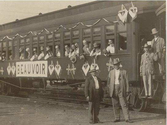 Beauvoir veterans arriving at Gettysburg reunion, 1913